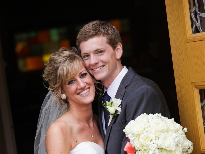 Tmx 1389113565003 56e8ee993b3c0183ec32668a292edb3 Grand Rapids wedding florist