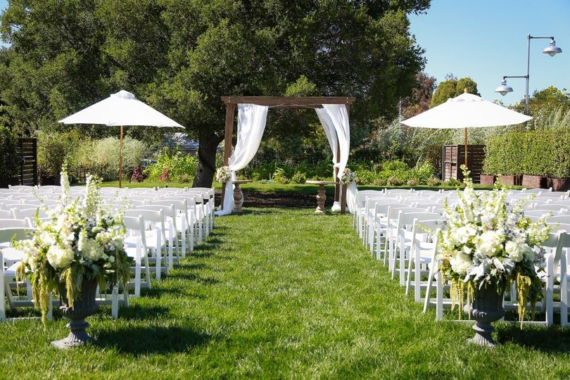 ceremony empty straight on 51 718240 1567707427