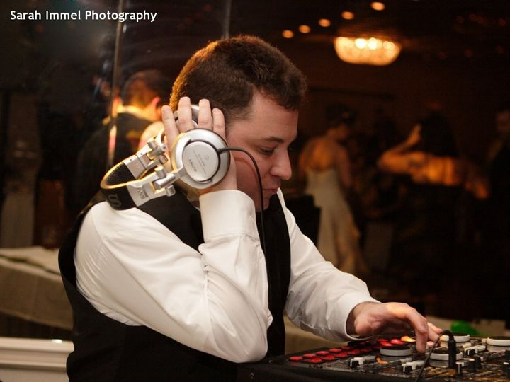 Tmx Hudson Valley Wedding Dj Bri Swatek Spinning With Style Sarah Immel Photography 1000 51 10340 1568642642 Wappingers Falls, NY wedding dj