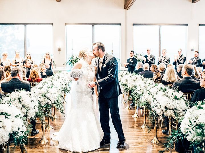 Tmx 5 Indoorfloralaisle Brittanyhillbywedgewoodweddings 51 930340 161057676876148 Denver, CO wedding venue