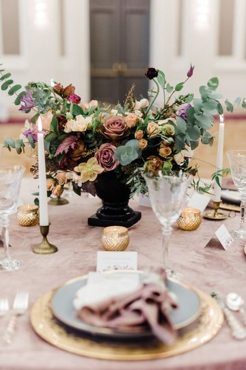 Sentinel Wedding Tablescape