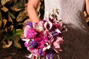 True Artistry Flowers