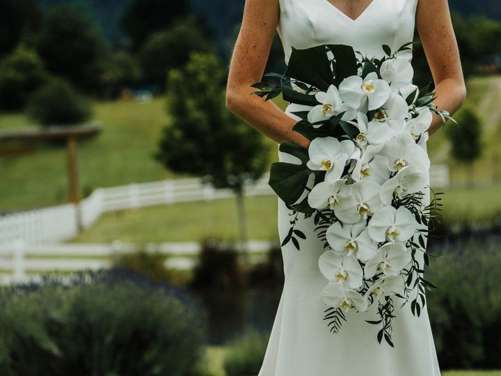 Tmx Dsc02772 2 51 365340 1570742613 White Salmon, WA wedding florist