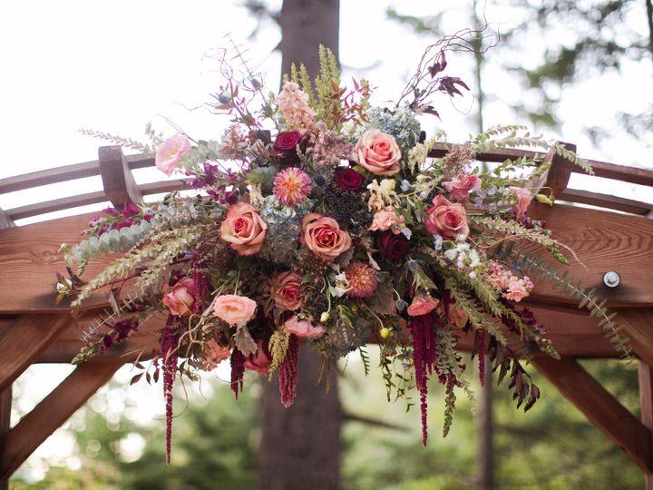 Tmx Trellisdeephues 51 365340 1570742470 White Salmon, WA wedding florist