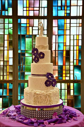 elegant white purple wedding cake 002