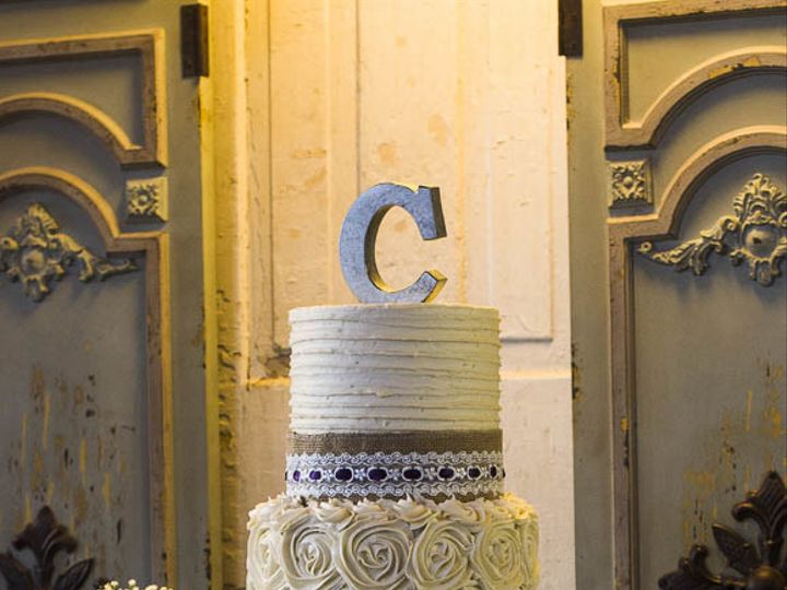 Tmx 1504455976953 Country Rustic Chic Wedding Cake In Ivory Buttercr Cleburne, Texas wedding cake