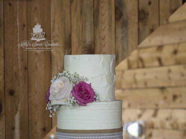 Tmx 1535326221 6c286fce219eb578 1535326027 25bfb1948fd71782 1535326026 3d92dbe5e31424c9 153532 Cleburne, Texas wedding cake