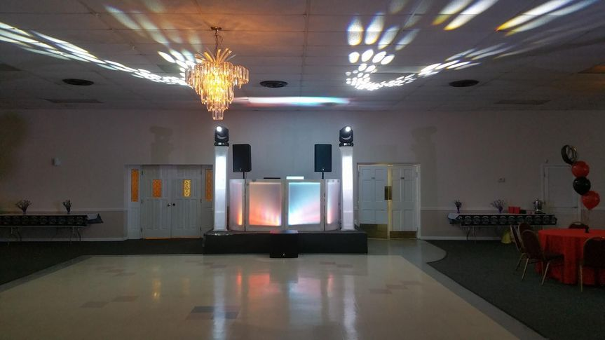 Spacious dance floor area