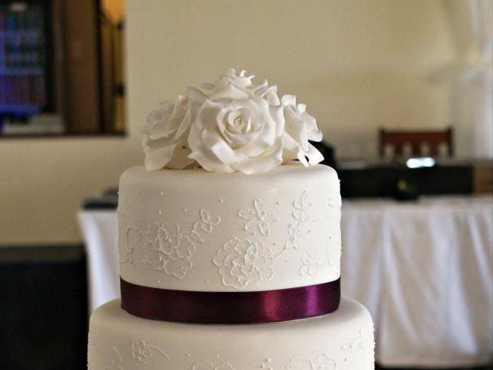 Tmx 1457387900323 Eb34efe8fd8b11098aeea2748cf883d9 Naples, FL wedding cake