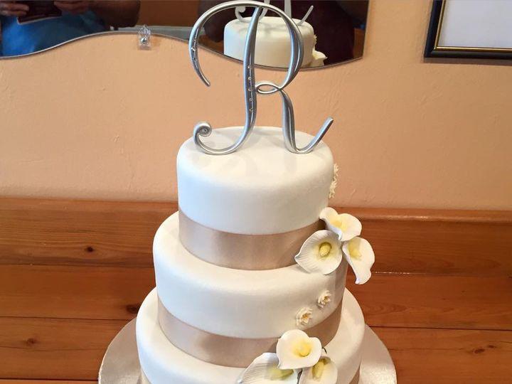 Tmx Img 3968 51 633440 161506243991876 Naples, FL wedding cake