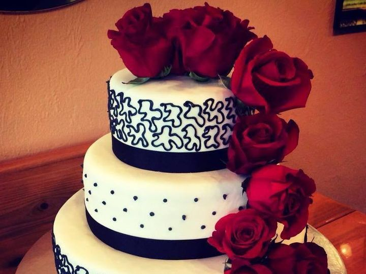 Tmx Img 3985 51 633440 161506243829315 Naples, FL wedding cake