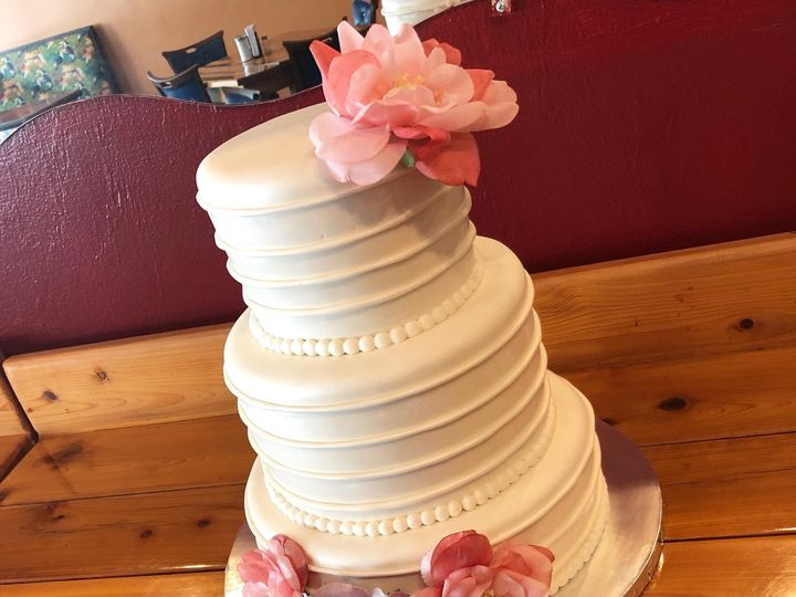 Tmx Img 3988 51 633440 161506220744397 Naples, FL wedding cake