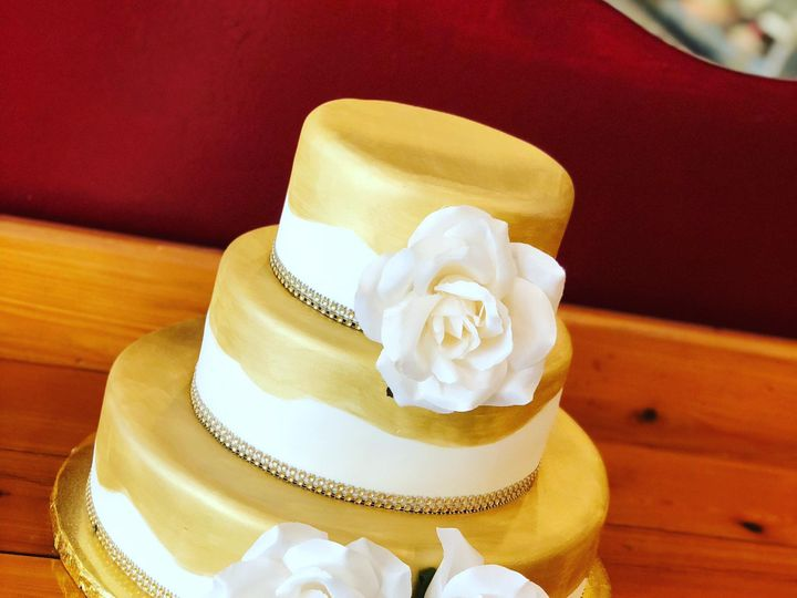 Tmx Img 3990 51 633440 161506207752641 Naples, FL wedding cake