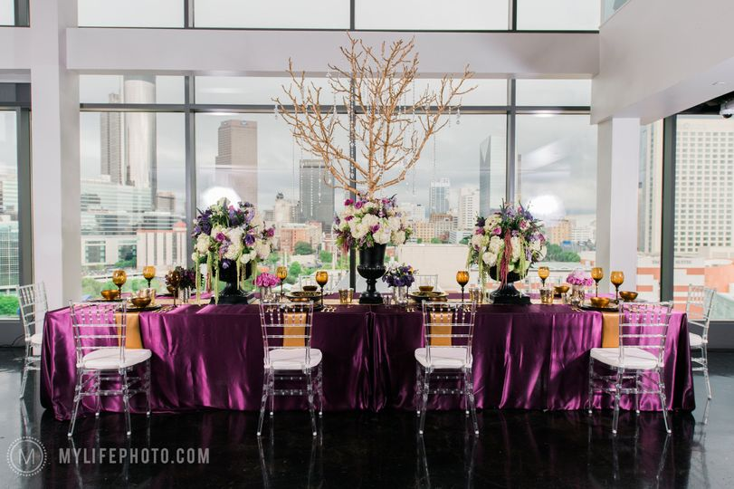 Violet table cloth