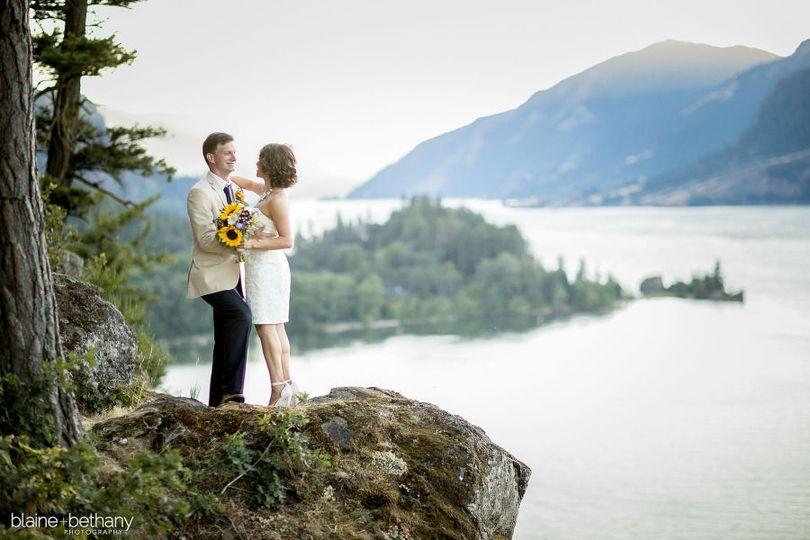 2427f7f8ca132b1c westcliff lodge hood river wedding photos 30 pp w900 h600
