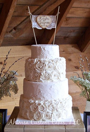 Rustic and frosting rosettes