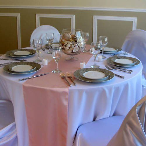 800x800 1290635415520 pinktablerunnerswithtablesetting