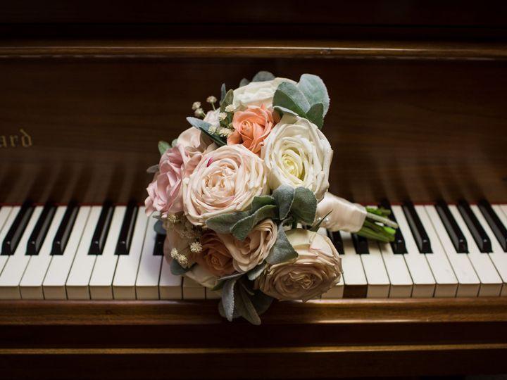 Tmx Redrock Portrait Design 64 1 51 984540 160278573864261 Louisville, CO wedding florist