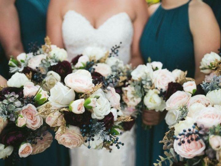 Tmx Roxanne Zach Preview 0046 1 51 984540 159051032079408 Louisville, CO wedding florist