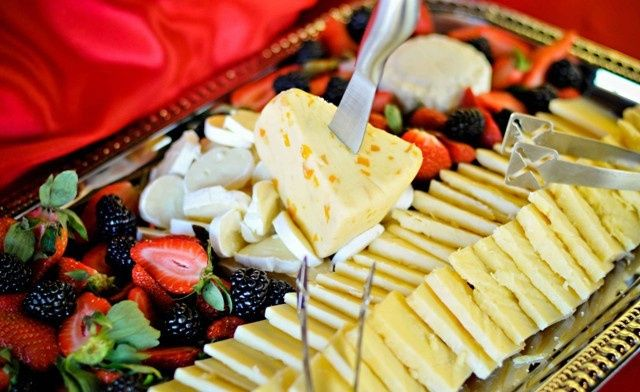 Fruit salad and cheese