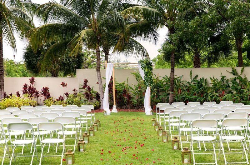 tropical cabana ceremony