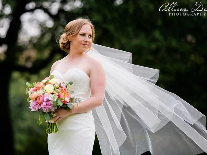 Tmx 1530533780 0ef64cf6e1849260 1530533778 Ebc5c13d1f859818 1530533750072 17 18740569 10155299 Lawrence, KS wedding beauty