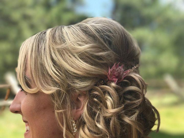 Tmx 1527348442 8054fd4721f35b91 1527348437 Cf0921d5fa32f8e6 1527348421002 4 IMG 0657 Longmont, Colorado wedding beauty