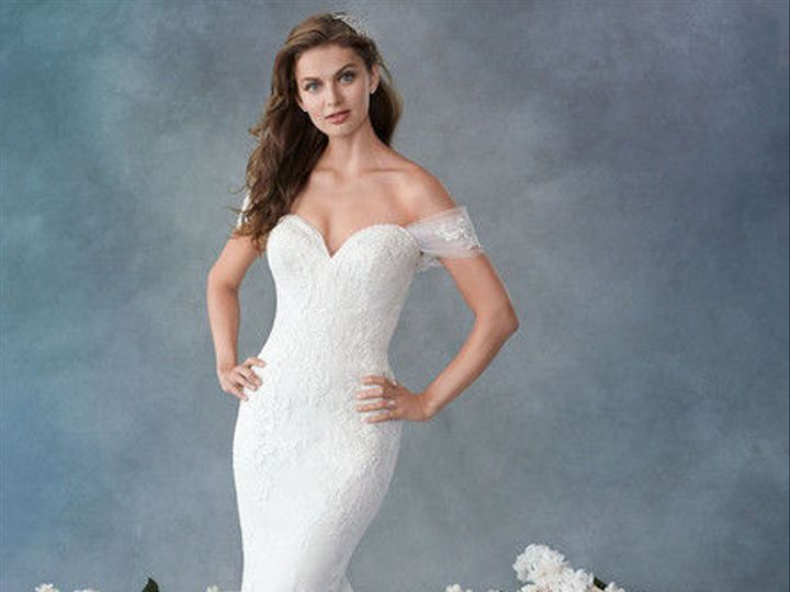 Tmx 1537731111 612e8e9304746238 1537731110 66fa7051b9e8d0ae 1537731109755 5 19 Wl124 F Wimberley, TX wedding dress