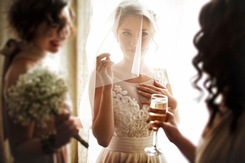 051ea1a66e36a225 1489508366971 bride