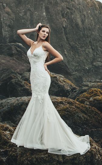 Miosa Couture - Dress & Attire - Sacramento, CA - WeddingWire