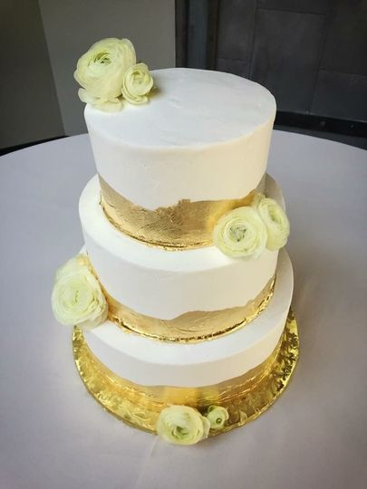 The Cake Specialist - Wedding Cake - Bellevue, NE - WeddingWire