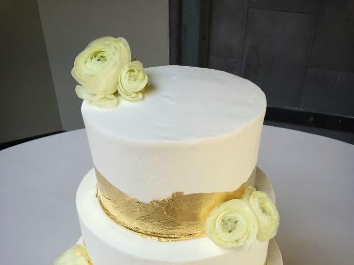 Tmx 1525315836 22ae78a717b4062d 1525315835 40c85e2e2aae8dcc 1525315834886 1 39FBF7E0 8850 4474 Bellevue wedding cake