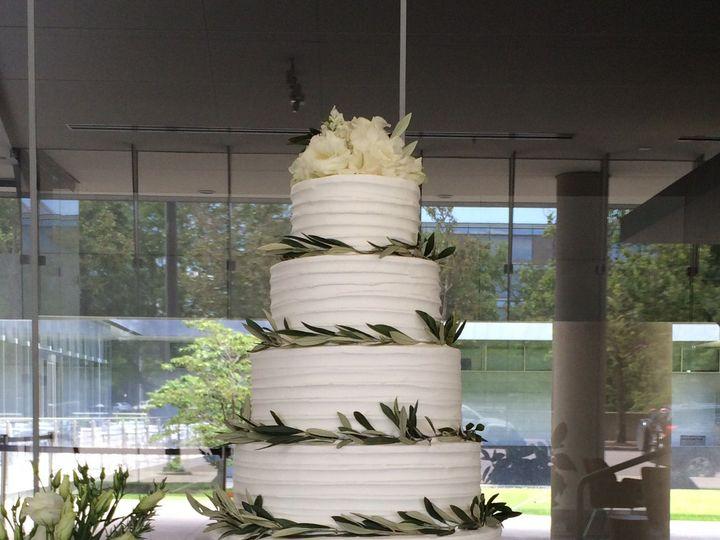 Tmx 1525316064 A59e6213048cd567 1525316062 016ce3828ed73534 1525316056146 8 11EAFF30 FC3B 40ED Bellevue wedding cake