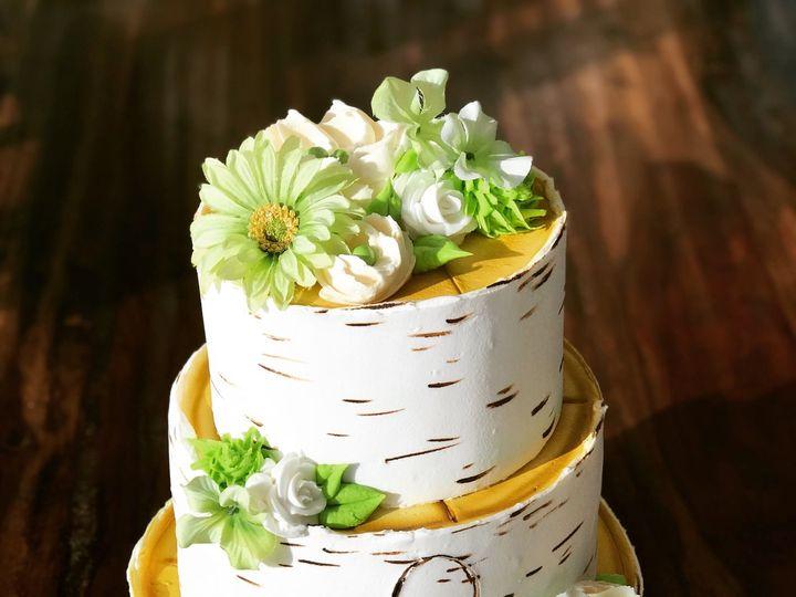 Tmx 1525316089 856607f8f4c7bead 1525316087 C7e1aa12a2286d6f 1525316085343 10 E8EAB775 CEC0 42E Bellevue wedding cake