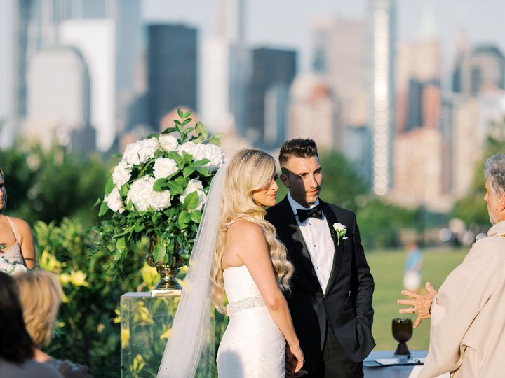Tmx Asher Gardner Liberty House Wedding 471 Websize 51 53740 1566488348 Hoboken, NJ wedding florist