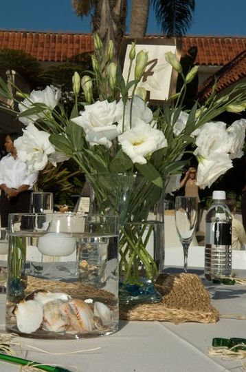 casual table setings for a beach wedding