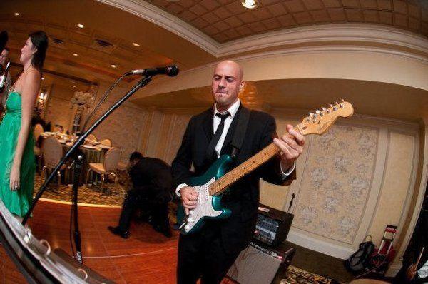 rockin' a wedding!