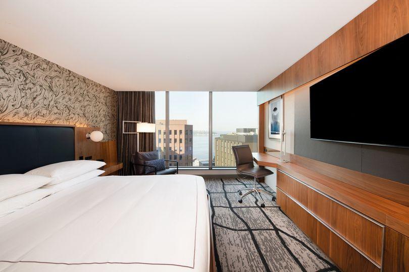 City Deluxe Guestroom