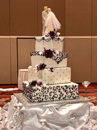 Our wedding cakes are tailored to your style, colors, and wedding theme