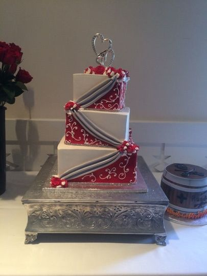 tier wedding fondant silver draping red with whi