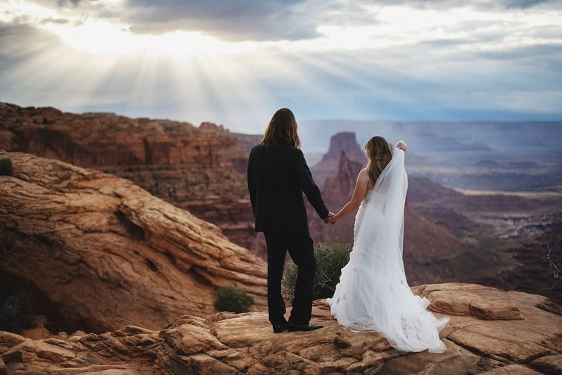 adventure wedding portraits arches national park canyonlands moab altf 190522 0200 51 32840 1564167989