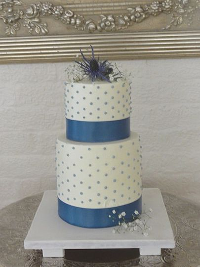 800x800 1375373613387 blue dot wedding cake copy