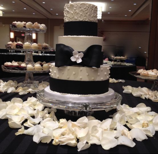 800x800 1464112396070 weddingcakecupcakedcmarylandvirginiasavvy treatsde