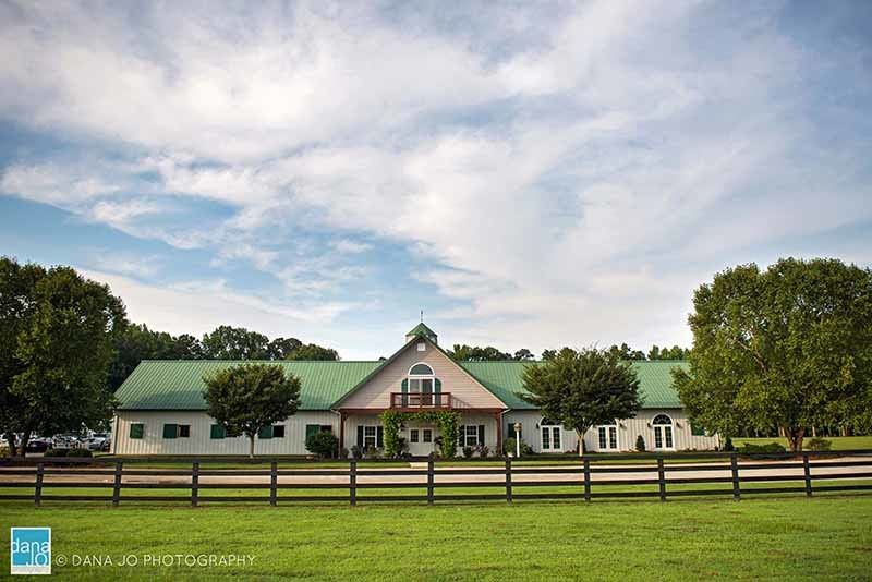 800x800 1507053382253 Barn Wedding Venue Washington Nc