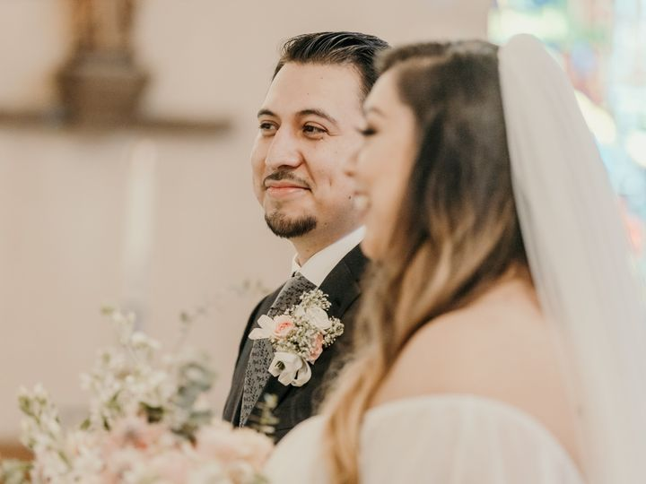Tmx Camille Happy Couple Close 51 999840 159710386856152 Sacramento, CA wedding florist