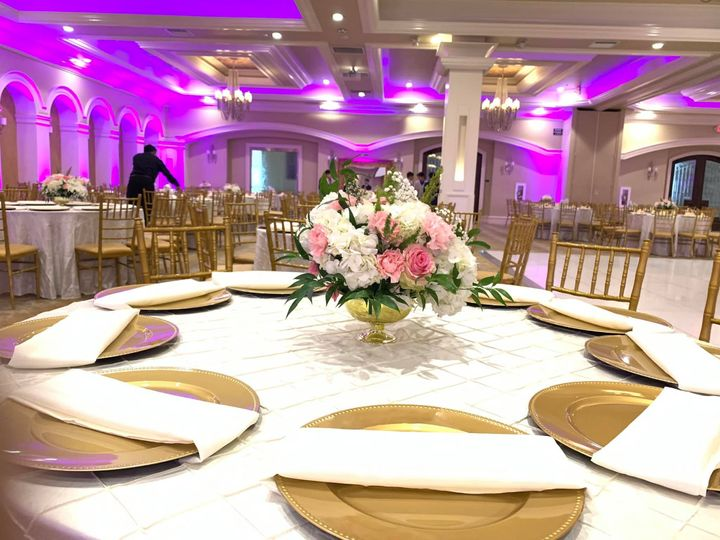 Tmx Farima White Lotus Table 3 51 999840 158916325392530 Sacramento, CA wedding florist