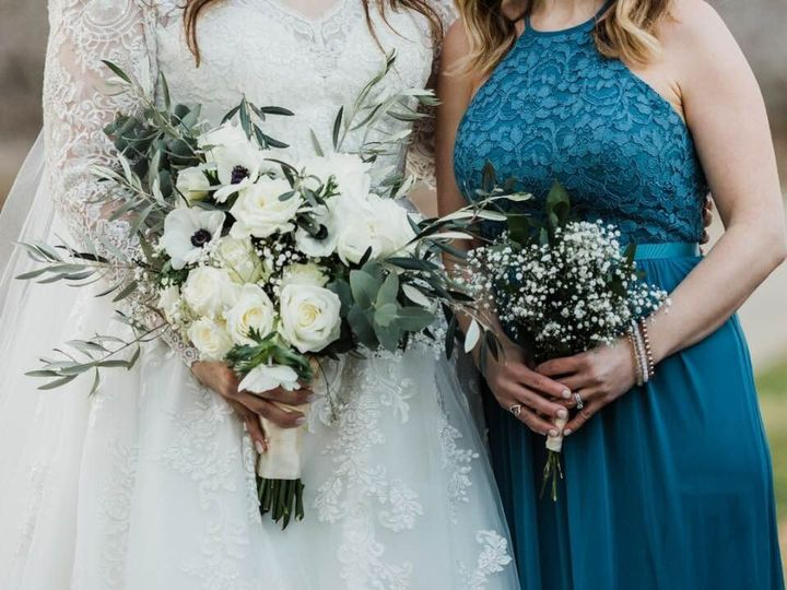 Tmx Nikki Bridal Bouqet With Bridesmaids Bouq 51 999840 1557357507 Sacramento, CA wedding florist