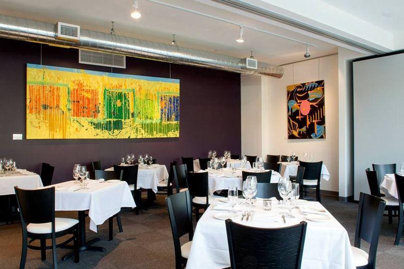 Whole dining accommodates