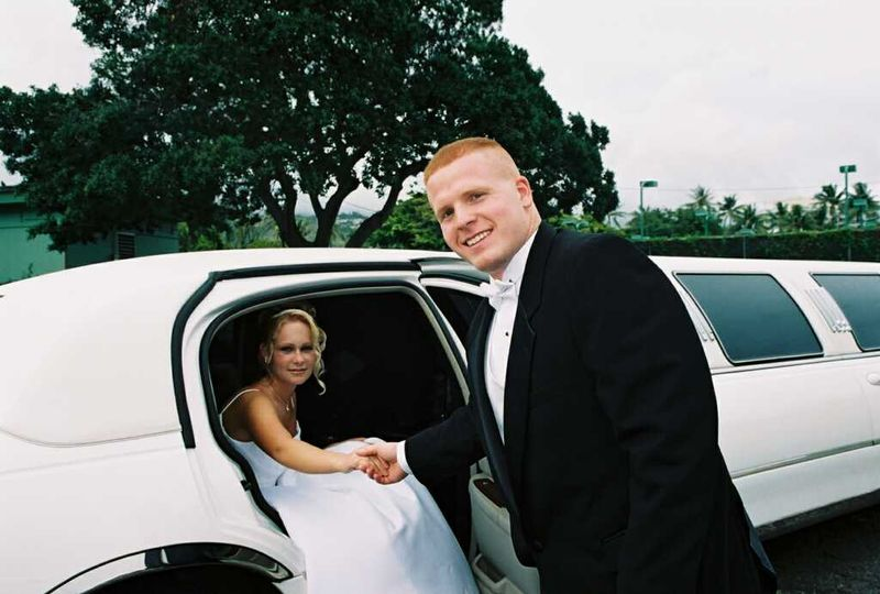 Airport Chariot Wedding Limo