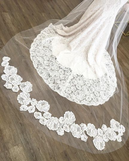 Lace pattern on the bridal veil
